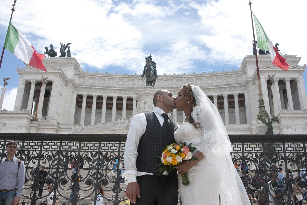 Studio fotografico Roma, book fotografico professionale, servizi fotografici matrimoni stile reportage, creazione cataloghi, realizzazioni video