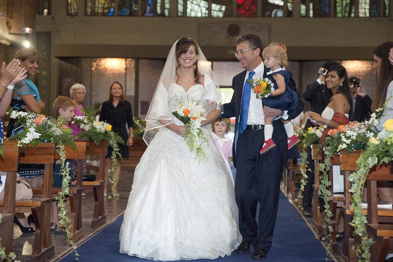 Servizio fotografico matrimonio Roma stile reportage esclusivo, video matrimoni e montaggi professionali, servizio foto prematrimoniale !